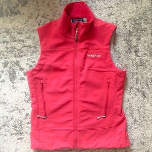 Patagonia pink vest, like new size small